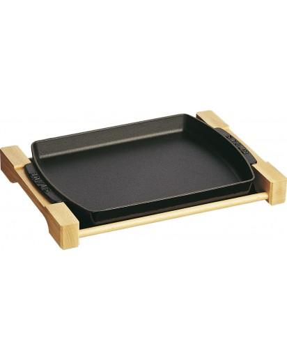 Staub: Rectangular serving dish with wooden base